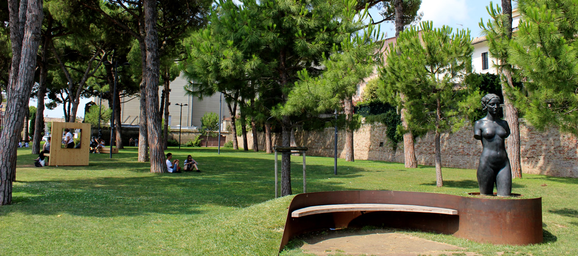 Giardini e aree verdi a senigallia for Foto giardini pavimentati